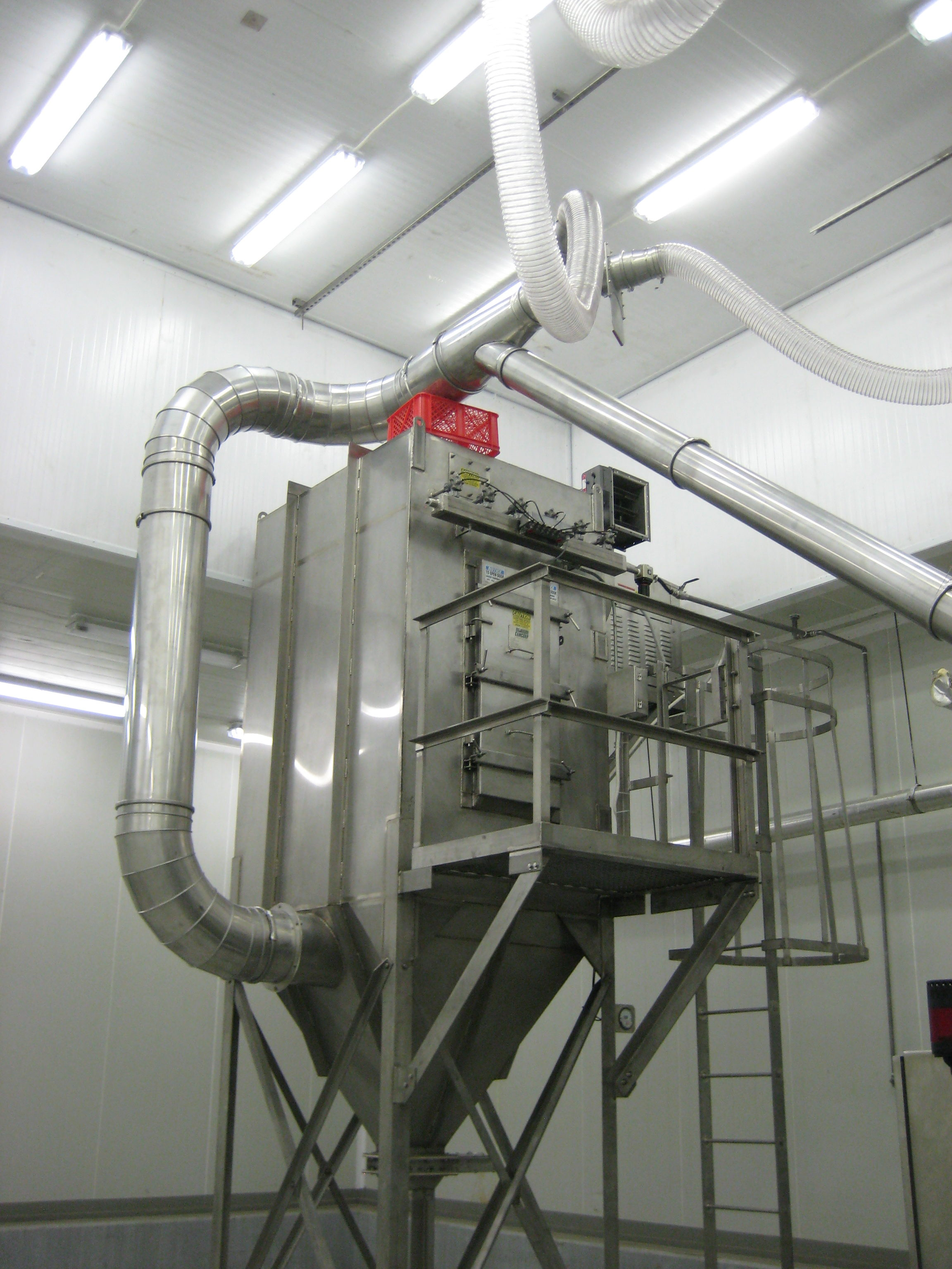 Ingredient Batching Systems Provided with Dust Collection and Pneumatic Conveying Systems
